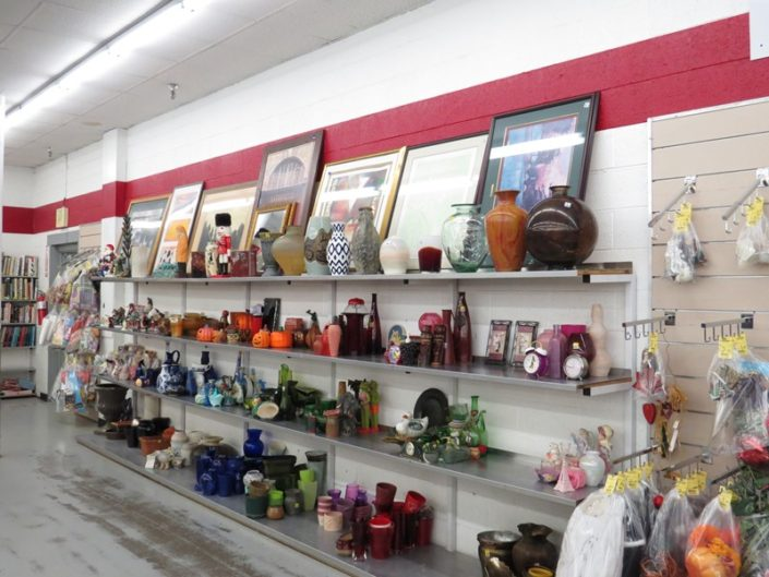 art, vases and decor at denver thrift store
