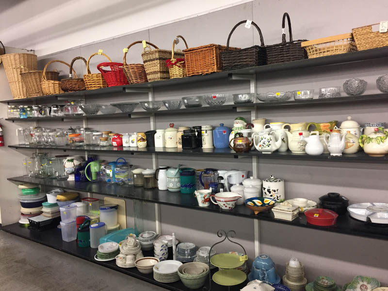 Nice Dishware And Decor At Thrift Store In Covina