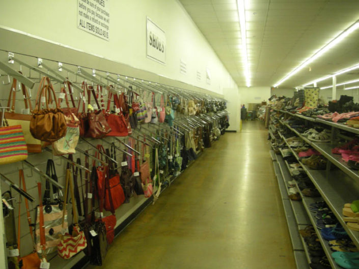 handbags and purses for sale at thrift store in hialeah