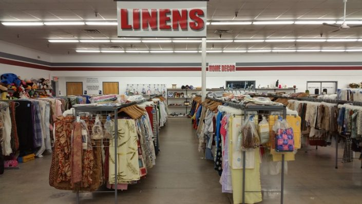 linens and home goods for sale at jacksonville thrift store