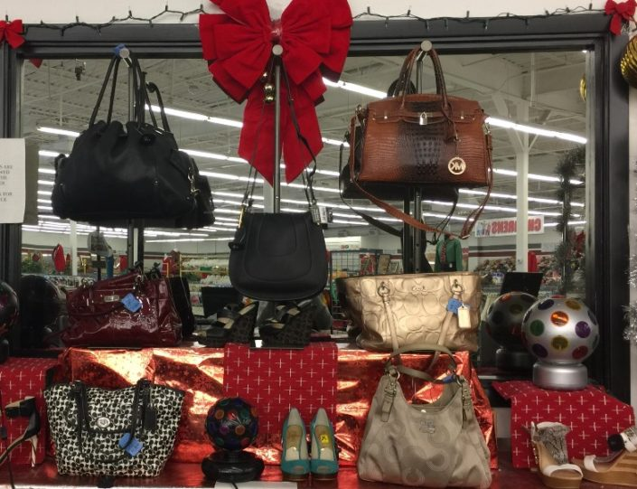purses for sale at new orleans thrift store