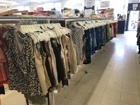 women's clothing for sale at pittsburgh thrift store