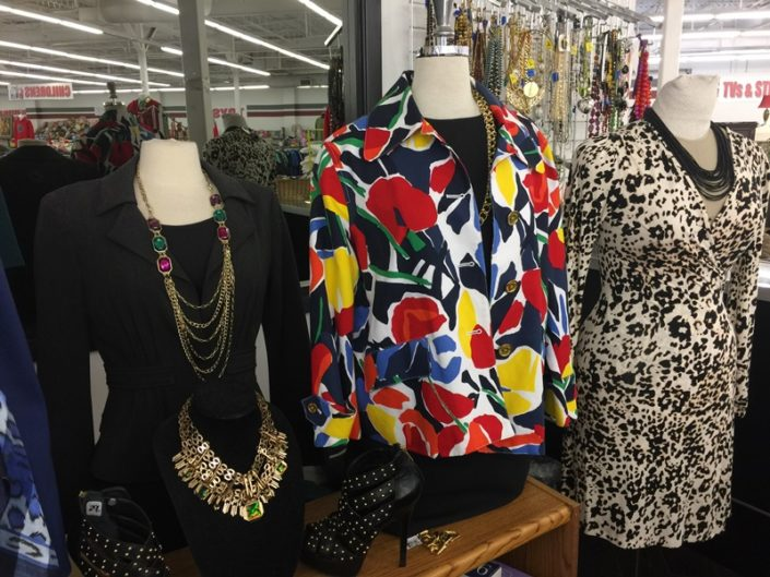 ladies clothing for sale at new orleans thrift store