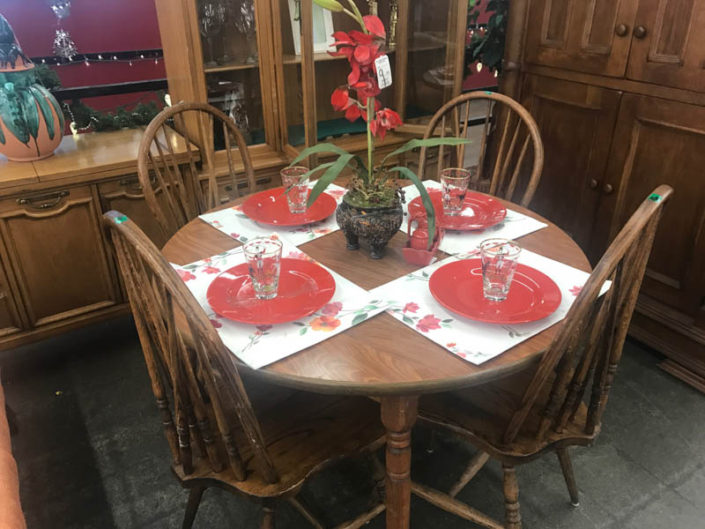 thrift store metro detroit dining table and chairs with decor